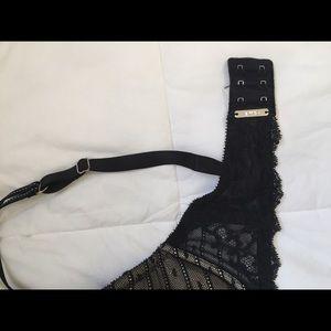 Chantelle Intimates & Sleepwear - Chantelle lace plunge push-up bra